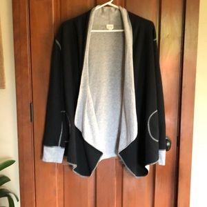 Reversible wrap style jacket. Jockey brand size L